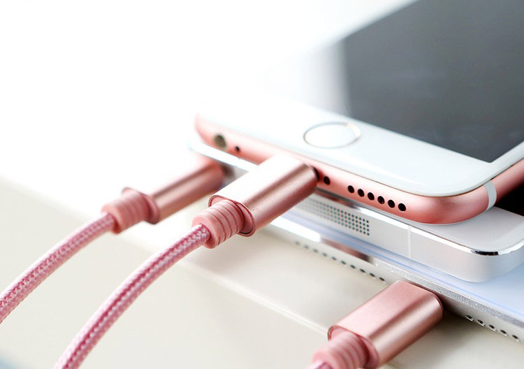 Кабель Rock 3 IN 1 MicroUSB, Apple Lightning, Type-C розового цвета